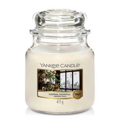 Yankee Candle Surprise Snowfall Duftkerze Mittleres Glas 411 g